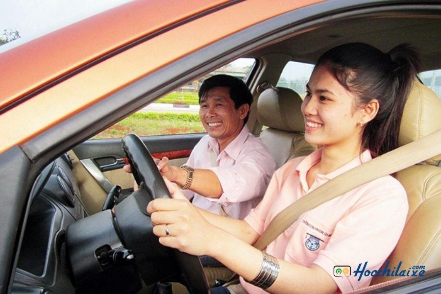 Có nên bổ túc tay lái xe ô tô?