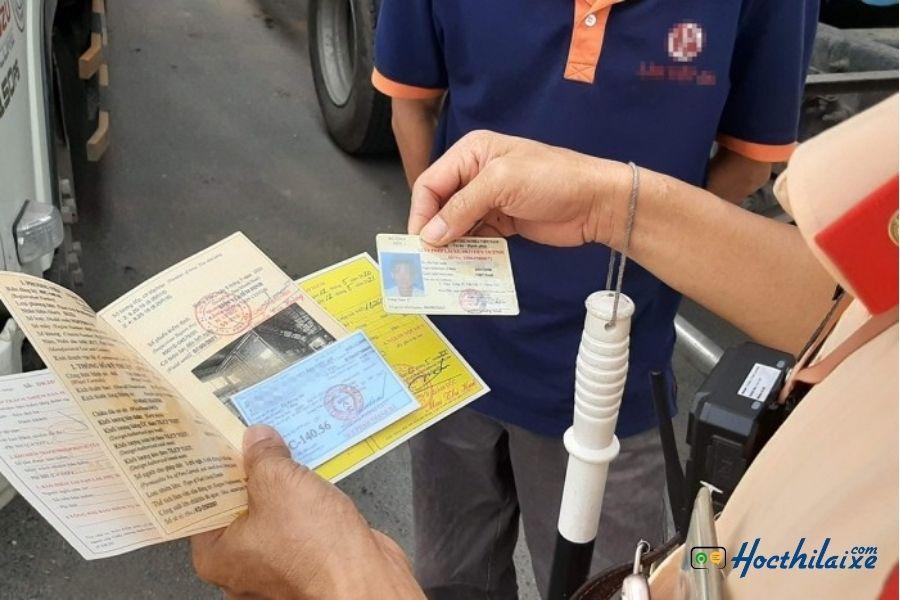 Chuẩn bị đầy đủ giấy tờ xe
