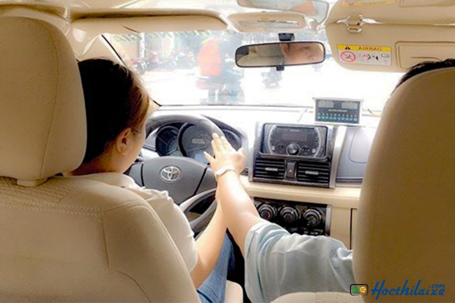 Bạn nên học các khóa học của các trung tâm dạy lái xe ô tô uy tín ở TPHCM - dạy lái xe ô tô