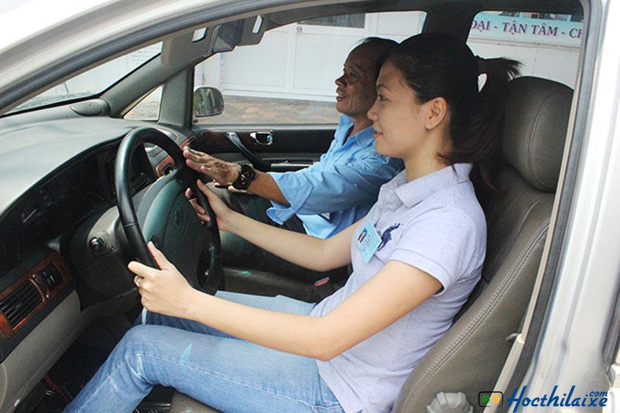 Học viên được đảm bảo học 1 người - 1 thầy - 1 xe
