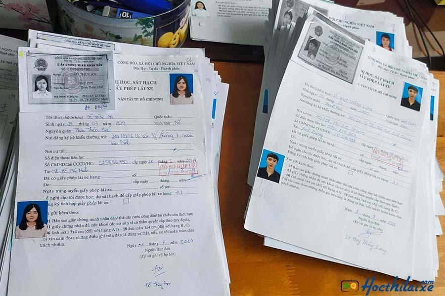 Chuẩn bị hồ sơ đăng ký học lái xe máy