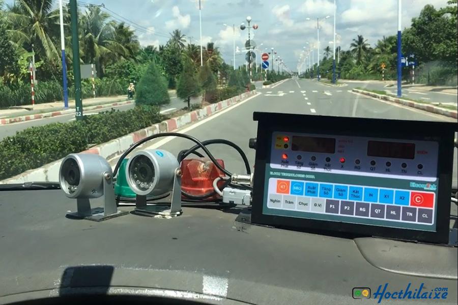 Thi đường trường tại Trung tâm dạy nghề tư thục lái xe Hải Nam