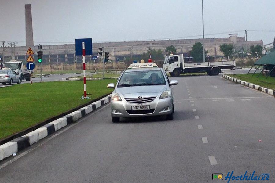 Tập lái xe B2 tại trung tâm An Thành Phát