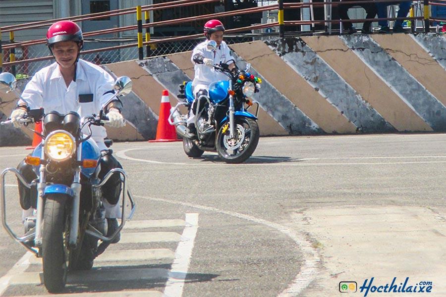 Khóa học lái xe mô tô A2