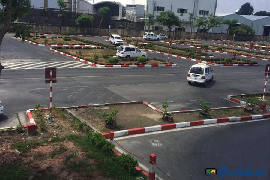 trung tâm đào tạo lái xe số 8