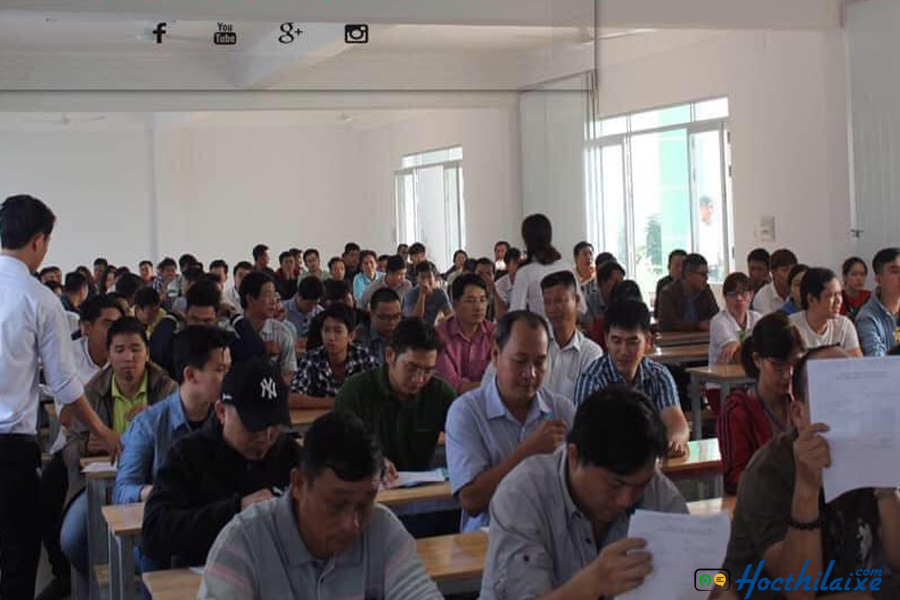 Phòng giảng dạy lý thuyết và thi thử của học viên