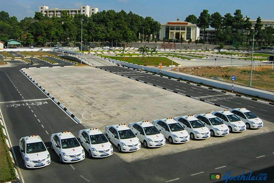 Xe tập lái Trung tâm đào tạo và sát hạch lái xe Đại học An Ninh Nhân Dân