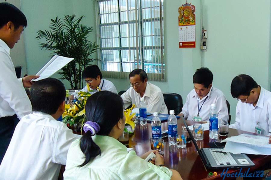 Đội ngũ cán bộ giảng viên, công nhân viên nhiều kinh nghiệm