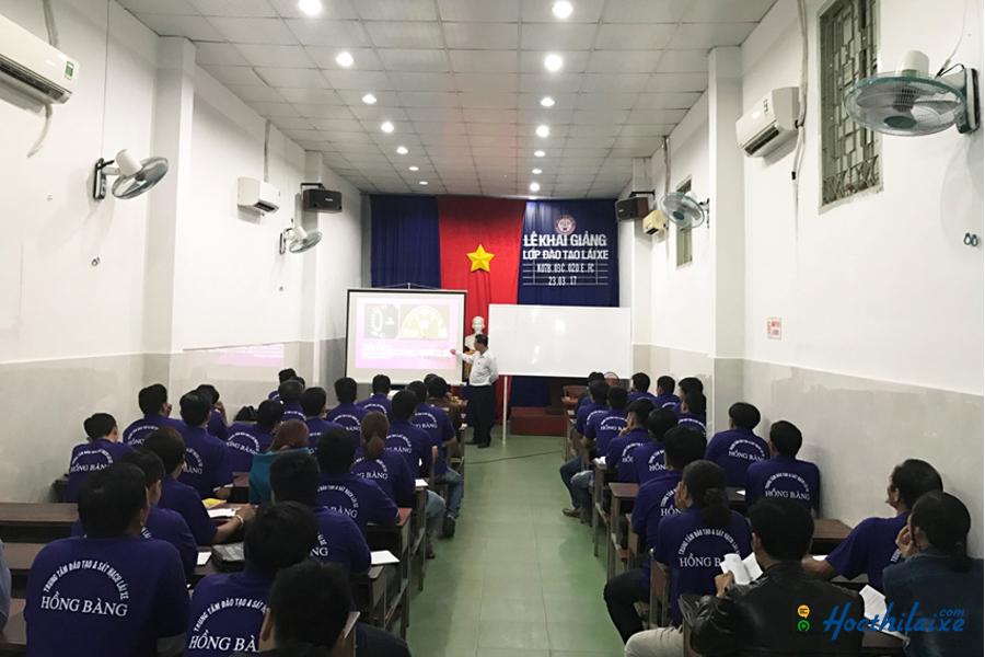 Trung tâm Hồng Bàng