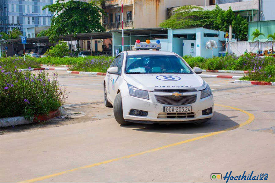 Xe học lái đời mới tại Sài Gòn 3T