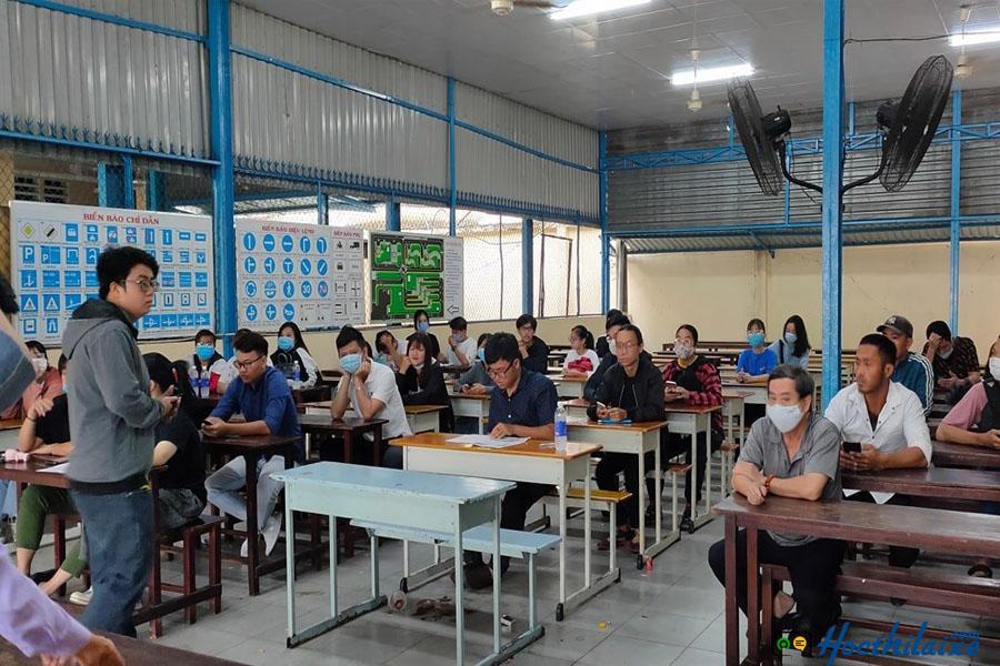 Phòng học lý thuyết tại Trung tâm dạy nghề giao thông vận tải Viễn Đông