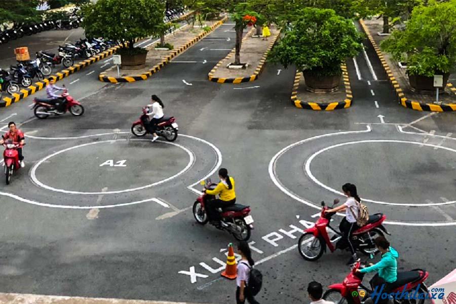 Khóa học đào tạo lái xe máy hạng A1 tại Miền Trung