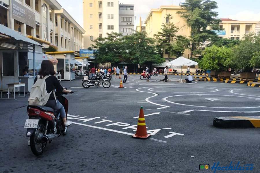 Khóa dạy học lái xe máy hạng A1 tại Sao Vàng