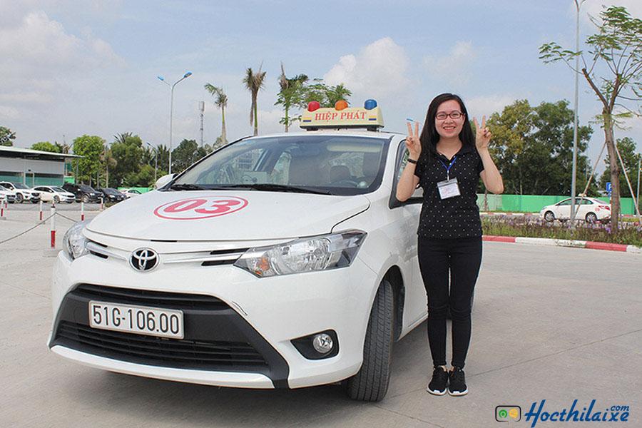 Học viên học lái xe B2 tại Trung tâm dạy nghề lái xe Hiệp Phát