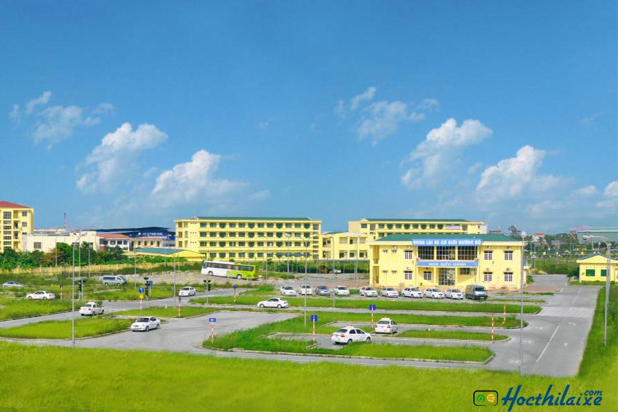 Cơ sở vật chất tại Trường Cao đẳng nghề công nghệ và nông lâm Nam bộ