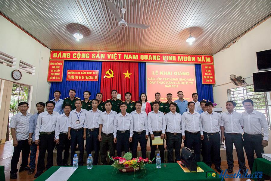 Đội ngũ giảng viên tại Cao đẳng nghề số 8 có nhiều năm kinh nghiệm