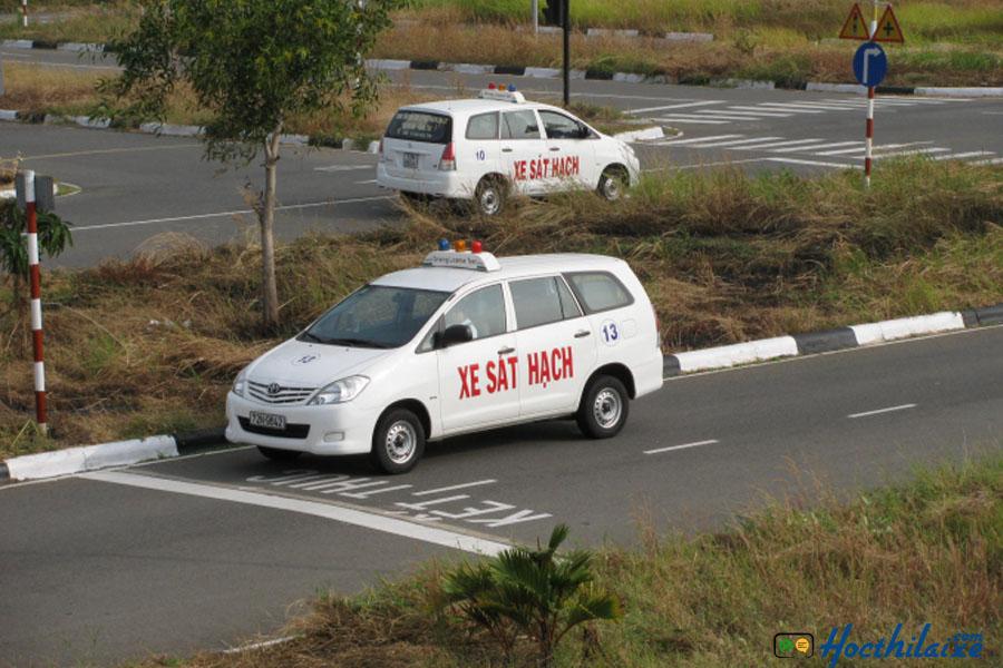 Xe tập lái mới Trường dạy lái xe Phương Nam