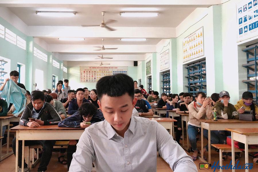 Phòng học lý thuyết lớn, hiện đại tại trường Phương Nam