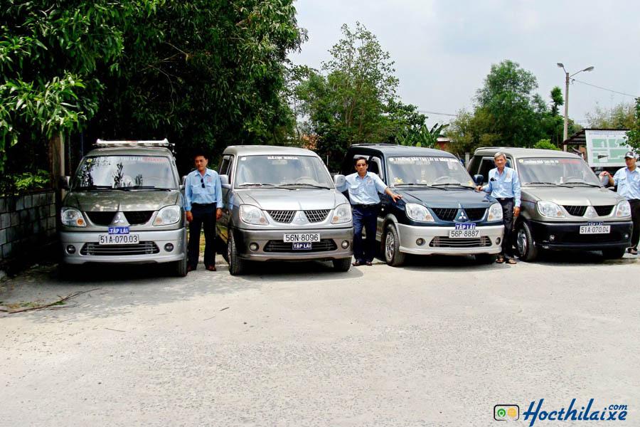 Xe tập lái mới của Trường DNTT Bách Khoa