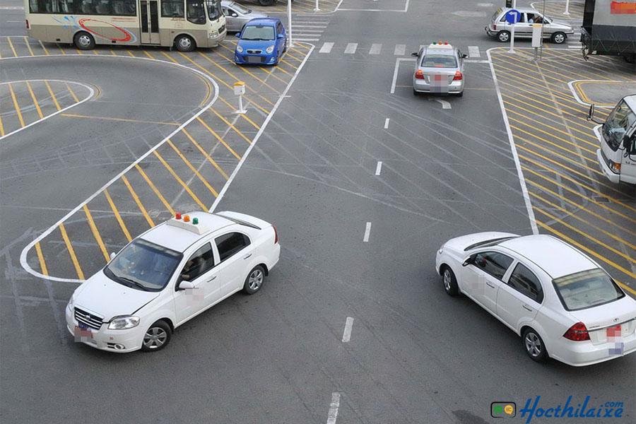 Xe tập lái tại trường Thống Nhất là các dòng xe mới