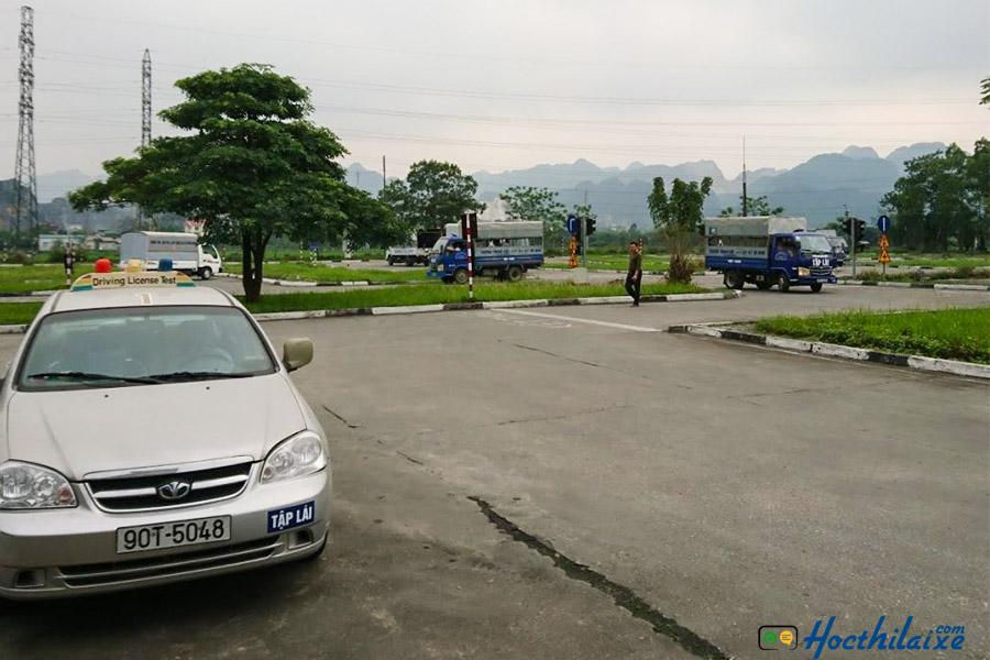 Khóa dạy học bằng lái xe B2 Đinh Tiên Hoàng