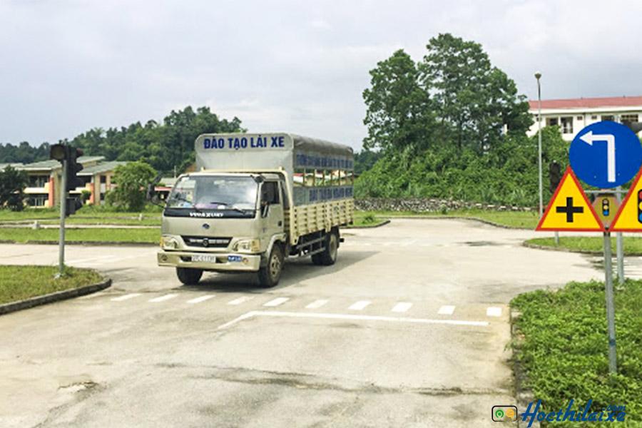 Khóa học lái xe ô tô tải hạngC Đinh Tiên Hoàng