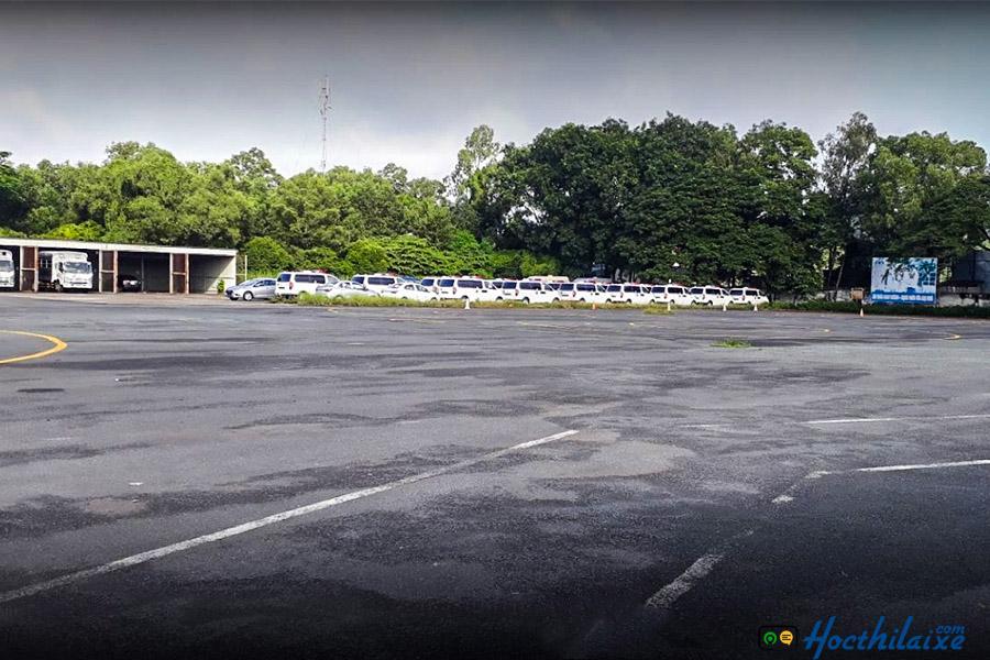 Xưởng thực hành và sân tập lái rộng lớn