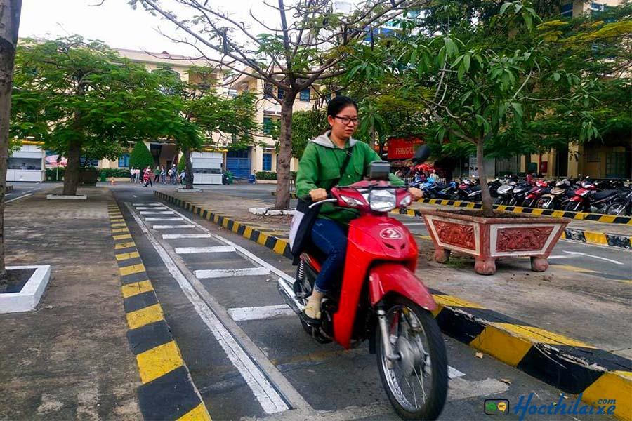 Khóa học bằng lái xe máy hạng A1 SAVINA