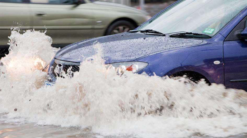 10 điều nên tuân thủ khi xe tô bị ngập nước - Xe chết trôi không đủ mồ hôi để sửa