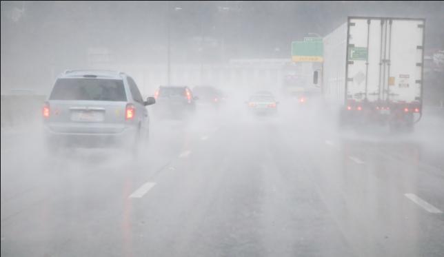 Tìm hiểu những kinh nghiệm lái xe trong điều kiện xấu
