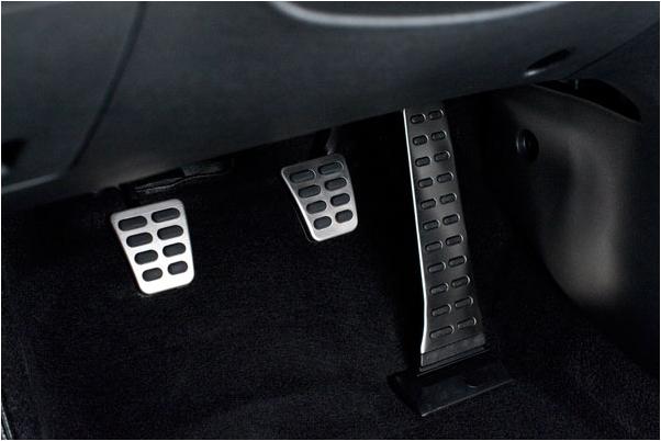 Bộ 3 bàn đạp côn- phanh- ga - hướng dẫn lái xe số sàn