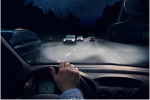 Kinh nghiệm lái xe ô tô ban đêm là hãy cảnh giác với các xe khác