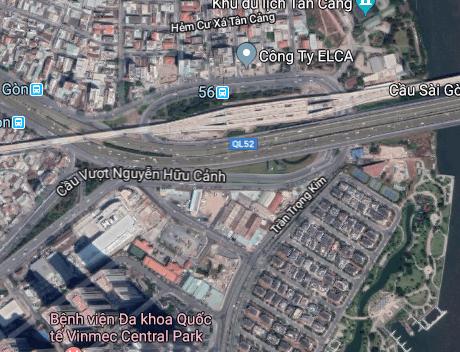 Kỹ thuật ôm cua xe ô tô cho khúc cua ở dưới chân cầu Sài Gòn