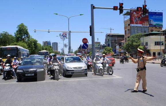 Kinh nghiệm lái xe ô tô trong thành phố bạn cần phải biết