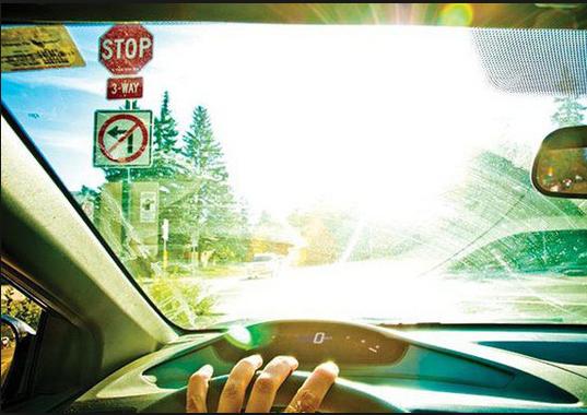 Bỏ túi ngay những kinh nghiệm lái xe trong điều kiện xấu