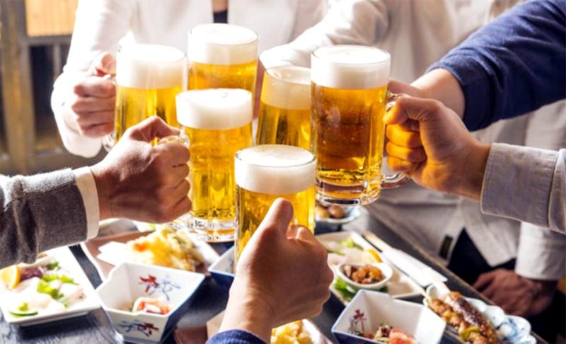 Rượu bia thật sự có lỗi  Ép uống rượu bia
