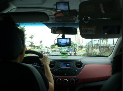 Kinh nghiệm lái xe ô tô trong thành phố giúp bạn tự tin đánh lái trên mọi nẻo đường