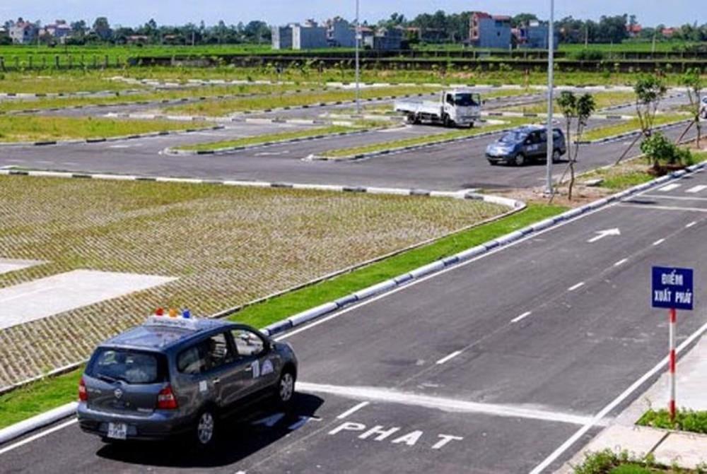 Tập trung cao độ cũng là cách giữ bình tĩnh khi thi lái xe