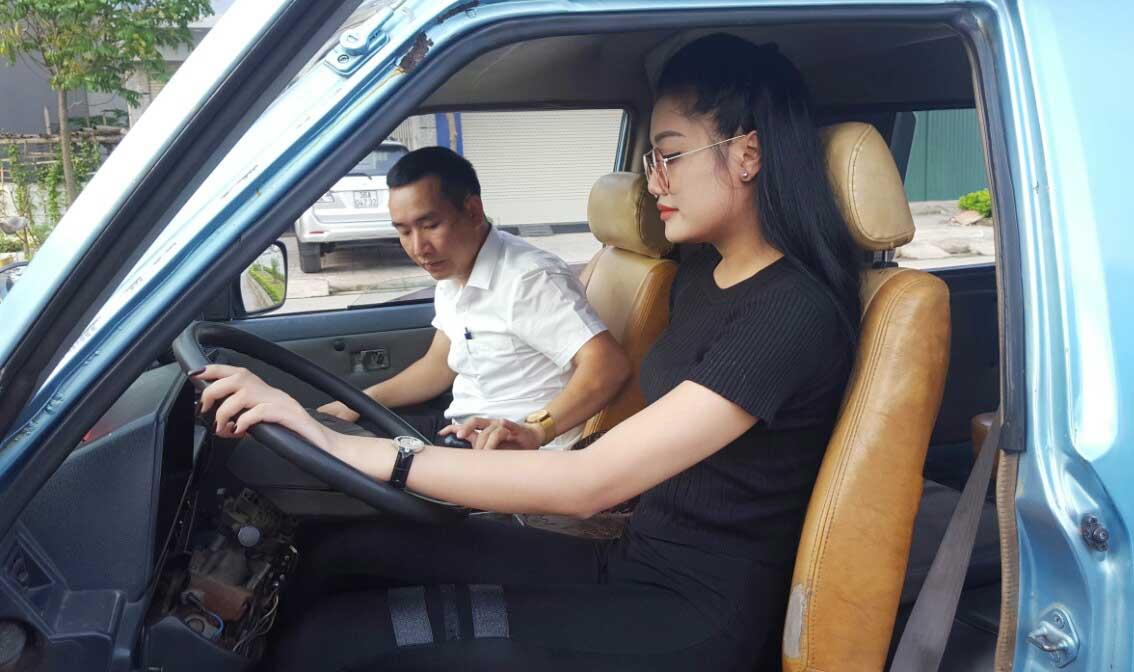 Chi phí học lái xe ô tô lên đến 30 triệu đồng