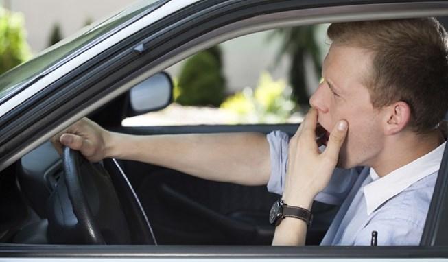 Dấu hiệu cho thấy bạn không tỉnh táo khi lái xe - cách chống ngủ gật khi lái xe