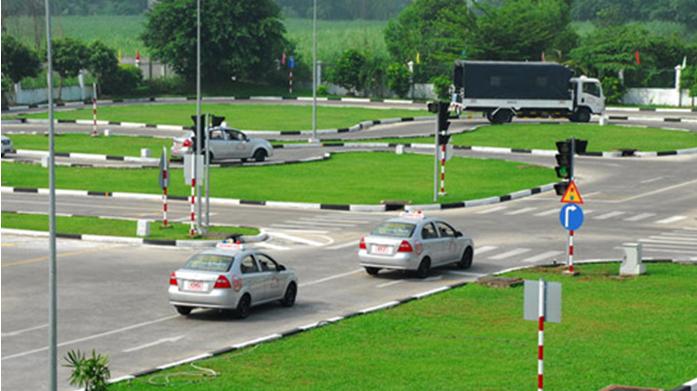 Chi phí học bằng lái xe ô tô hạng B2 bao nhiêu?
