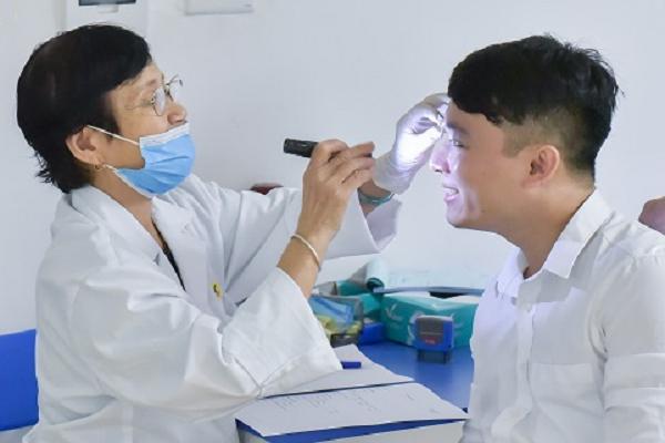 Tiêu chuẩn sức khỏe về mắt