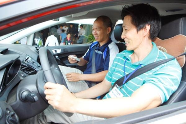 Giải đáp nỗi sợ khi mới lái xe ô tô