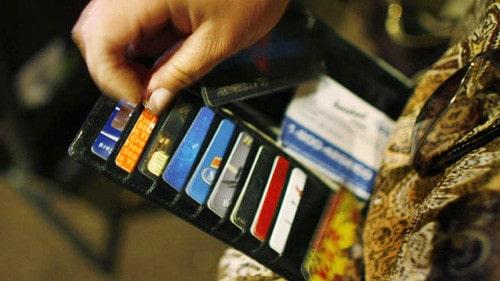 Sử dụng tiền và thẻ hợp lý là kinh nghiệm cho phượt thủ lái xe ô tô