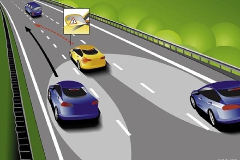 Luôn biết giữ khoảng cách an toàn - kinh nghiệm lái xe trên đường cao tốc