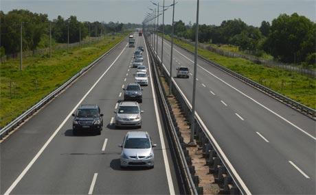 Dừng xe đúng cách - kinh nghiệm lái xe trên đường cao tốc