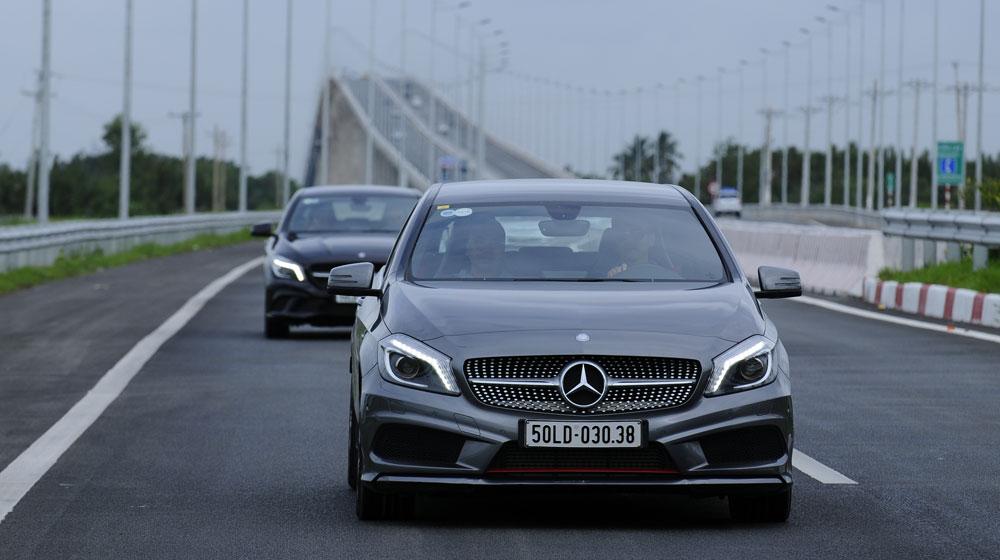 Di chuyển ổn định và thận trọng - kinh nghiệm lái xe trên đường cao tốc