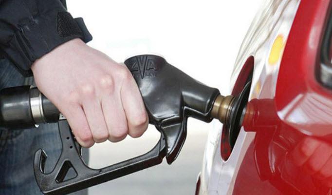 Nên đổ đầy bình xăng khi xe ô tô lâu ngày không sử dụng