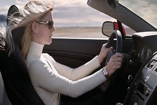 Phụ nữ học lái xe ô tô sẽ chủ động hơn
