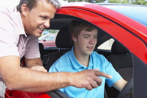 Thi bằng lái xe ở Mỹ có khó không?
